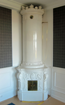 Column tile stoves